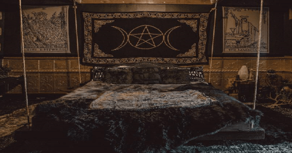 The Black Annis room. Photo by Cait Falc.